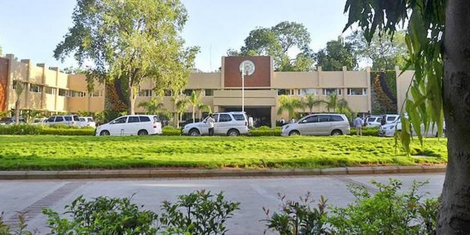 Ex-CM camp office in Vijayawadalikely to be made Raj Bhavan