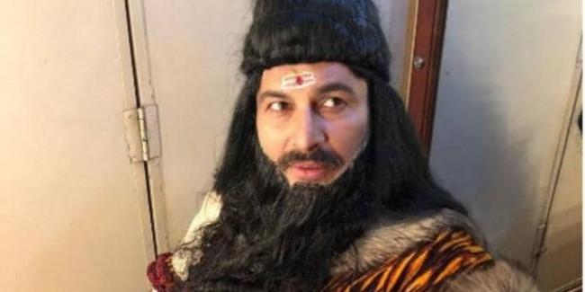 रामलीला में परशुराम बने बीजेपी सांसद मनोज तिवारी