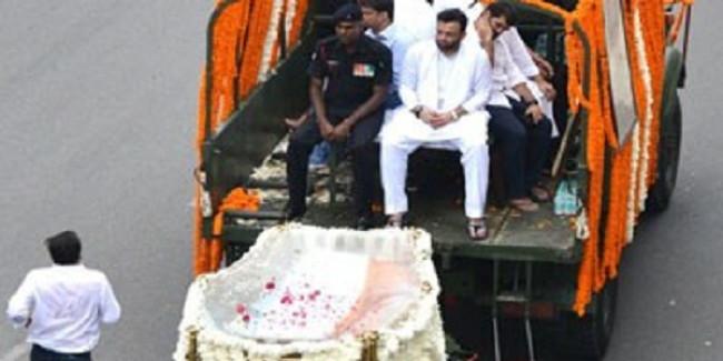 अंतिम सफर पर अरुण जेटली,निगमबोध घाट ले जाया जा रहा पार्थिव शरीर