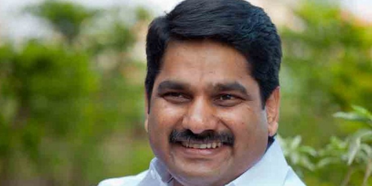 After Raj Thackeray's 'lav re to video', Congress leader Satej Patil's 'Amcha Tharlay' gains popularity