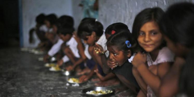मिड-डे मील खाने से तीन साल में 900 से अधिक बच्चे बीमार हुए: केंद्र