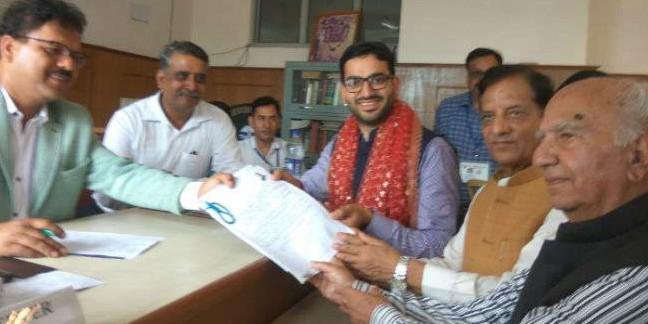 धर्मशाला उपचुनाव: भाजपा और कांग्रेस प्रत्याशियों ने भरा नामांकन