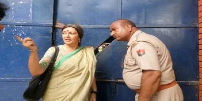 चिन्मयानंद पर आरोप लगाने वाली छात्रा से जेल में मिलीं वृंदा करात, परिवार था साथ
