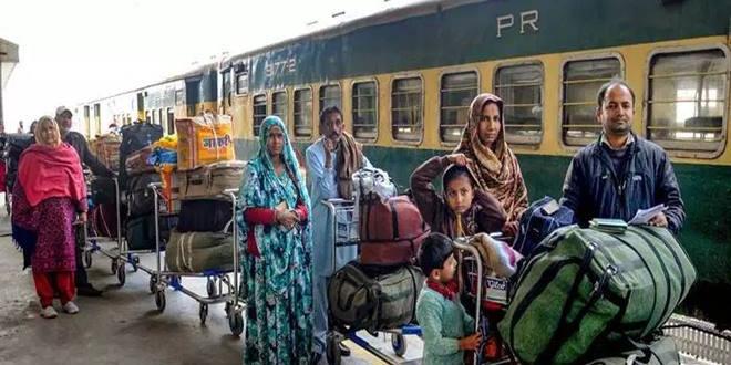 76 भारतीय और 41 पाकिस्तानी नागरिकों को लेकर दिल्ली पहुंची समझौता एक्सप्रेस