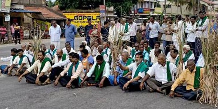 Farmers block traffic, threaten to intensify protests
