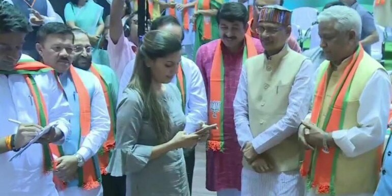 BJP in a huddle as Battle for Delhi draws close