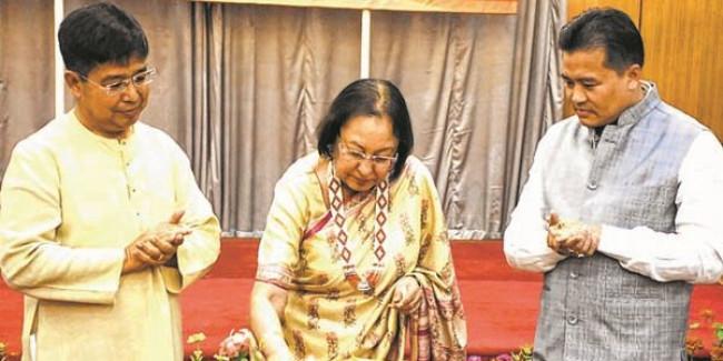 Najma sings paeans to spirit of Manipuri women