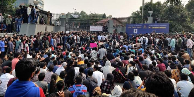Affordable hostel part of the right to education: Yogendra Yadav  Shows Support to JNU Protest