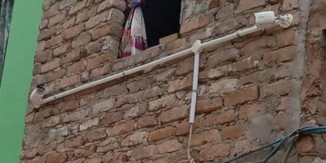 केजरीवाल सरकार के ड्रीम प्रोजेक्ट पर चोरों की नजर