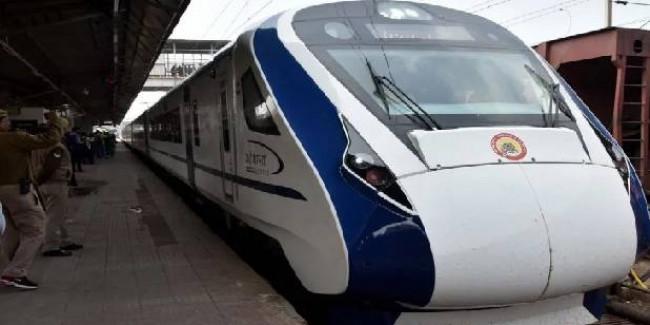 माता वैष्णो देवी कटरा-नई दिल्ली के बीच वंदे भारत ट्रेन दौड़ाने की तैयारी, ट्रायल की तारीख हुई तय
