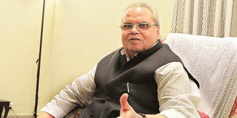 जम्मू कश्मीर पर सत्यपाल मलिक की बैठक, सुरक्षा व्यवस्था का लिया जायजा