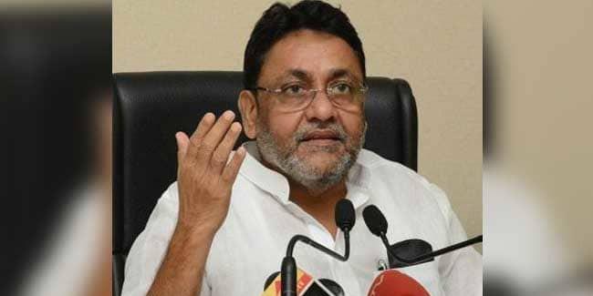 'शिवसेना विधायक पर हमला पार्टी की अंदरुनी राजनीति का परिणाम' : नवाब मलिक