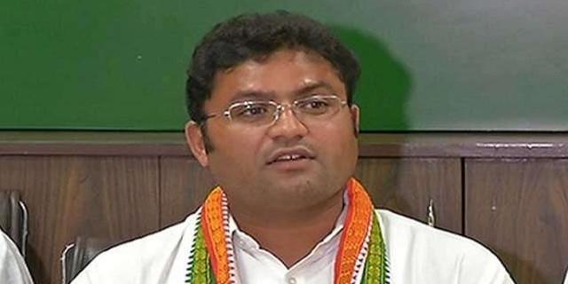 सिरसा सीट पर कांग्रेस उम्मीदवार अशोक तंवर और जजपा उम्मीदवार निर्मल सिंह ने भरा नामांकन