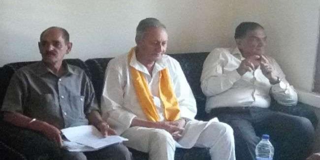 मनकोटिया का निशाना: कांग्रेस की हार के लिए शीर्ष नेतृत्व और वीरभद्र सिंह जिम्मेदार