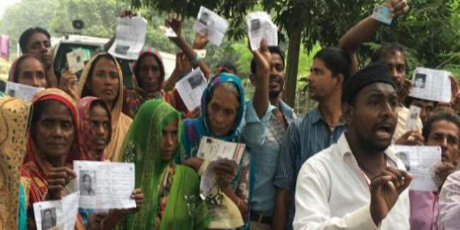 Bihar By Election: बूथों पर बढ़ने लगे वोटर, कई जगह खराब मिले EVM