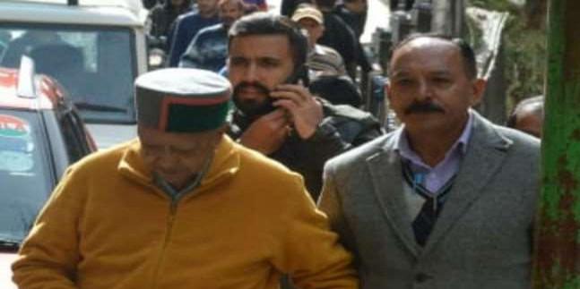 पूर्व मुख्यमंत्री वीरभद्र सिंह आइजीएमसी शिमला लाए गए