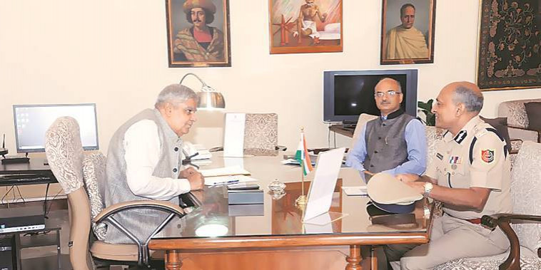QKolkata: DGP Meets Governor On North 24 Parganas & More