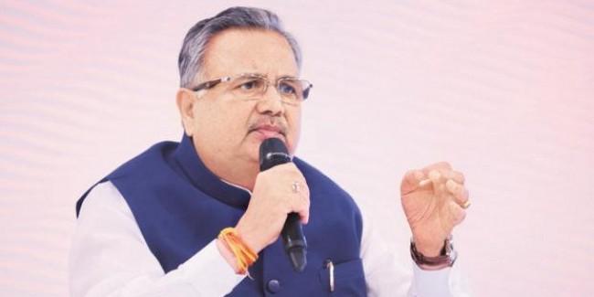 पूर्व CM ने साधा भूपेश सरकार पर निशाना, बोले गंगा जल और गीता हाथ में लेकर खाई थी कसम, अब स्वयं बेेच रहे शराब