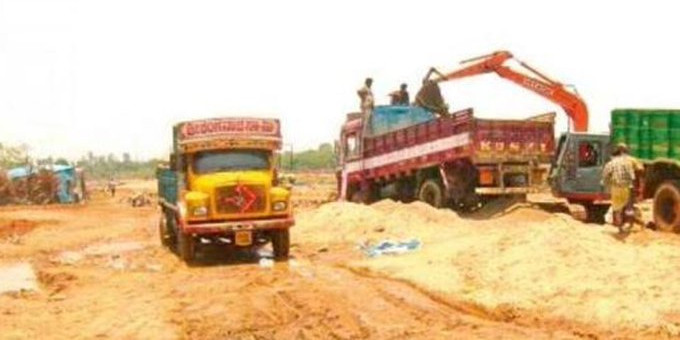 Govt helpless as illegal sand mining continues