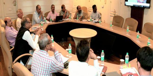 ई-मित्र केन्द्रों पर निगरानी का प्रभावी तंत्र विकसित करें: मुख्यमंत्री