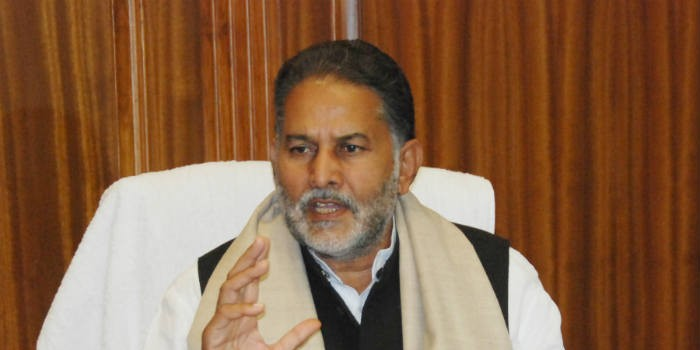 शिक्षा मंत्री रामबिलास शर्मा पहुंचे भिवानी, कहा हटाएंगे धारा 370