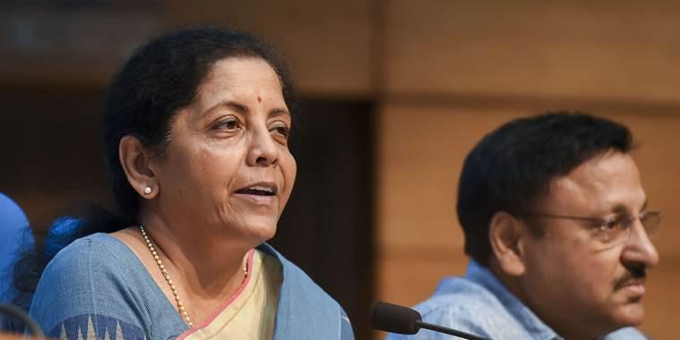 मनमोहन सिंह ने बताई मंदी की वजह, वित्त मंत्री सीतारमण से हुआ सवाल तो टाल गईं