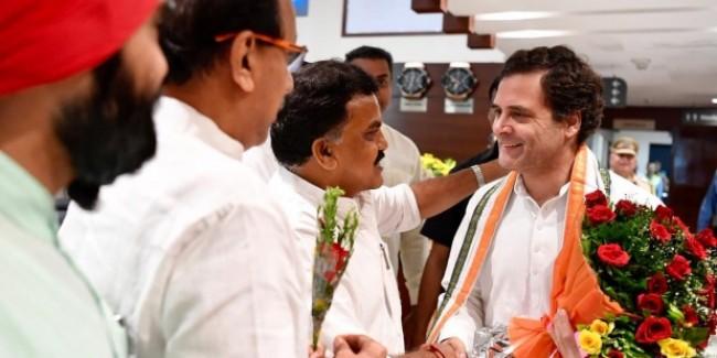 RSS मानहानि मामले में राहुल गांधी को जमानत, कोर्ट से निकलकर बोले- मजा आ रहा है