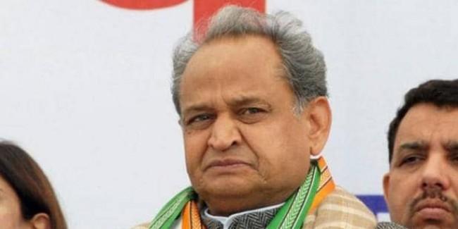 राजस्थान कांग्रेस में फूट, CM पद के लिए अशोक गहलोत और सचिन पायलट आमने-सामने