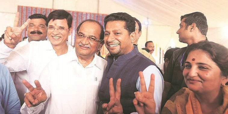 Hardlook: Ahead of Maharashtra polls, son 'sets' for Congress, NCP