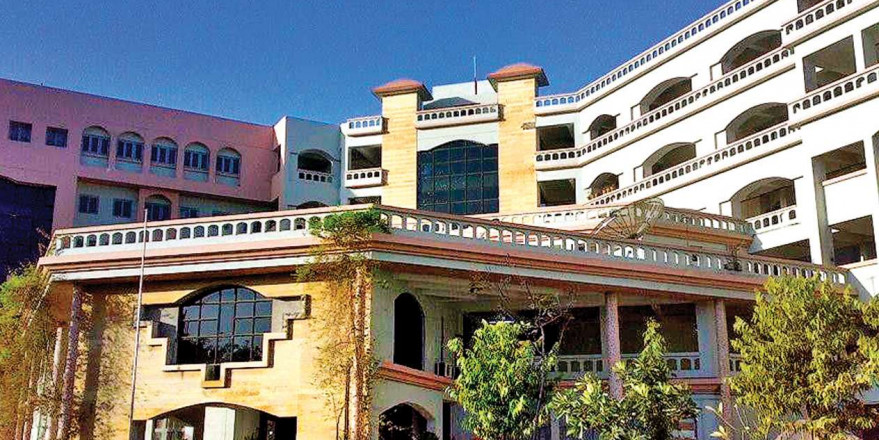 Staff crunch hits government medical colleges