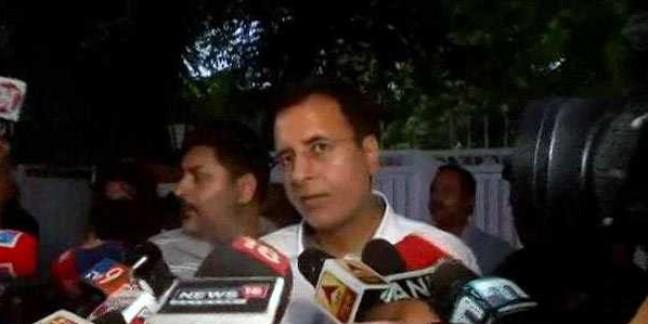 कर्नाटक संकट : वरिष्ठ कांग्रेसी नेताओं ने संभाला मोर्चा, दिल्ली में की बैठक