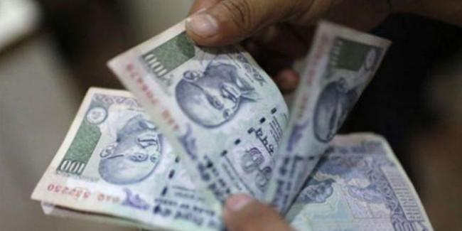 प्रधानमंत्री जन-धन खातों में 1 लाख करोड़ रुपये!