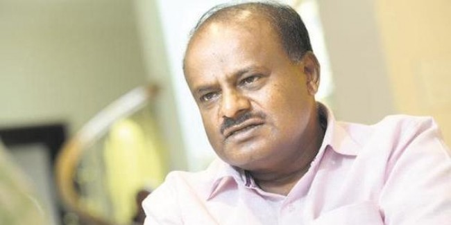 Karnataka crisis: 2 Congress MLAs meet BJP's S.M.Krishna