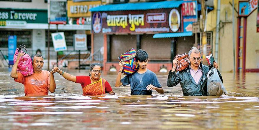 Supreme Court takes Centre, Maharashtra to task over deluge