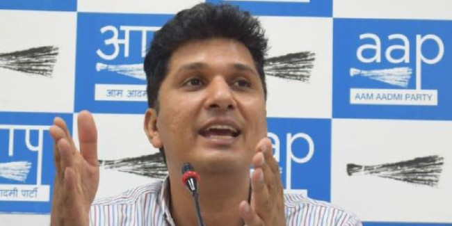 AAP ने बताया- क्यों कश्मीर की तुलना दिल्ली से नहीं की जा सकती