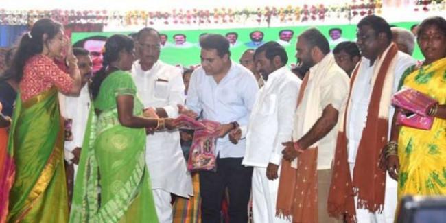 Govt. working to increase weavers revenue: K T Rama Rao