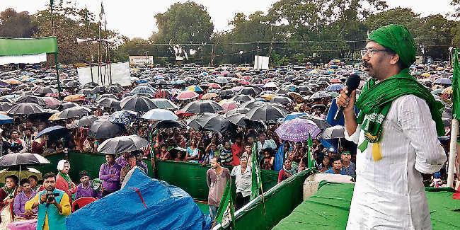 खूंटी : भाजपा ने लोगों का हक छीना : हेमंत सोरेन