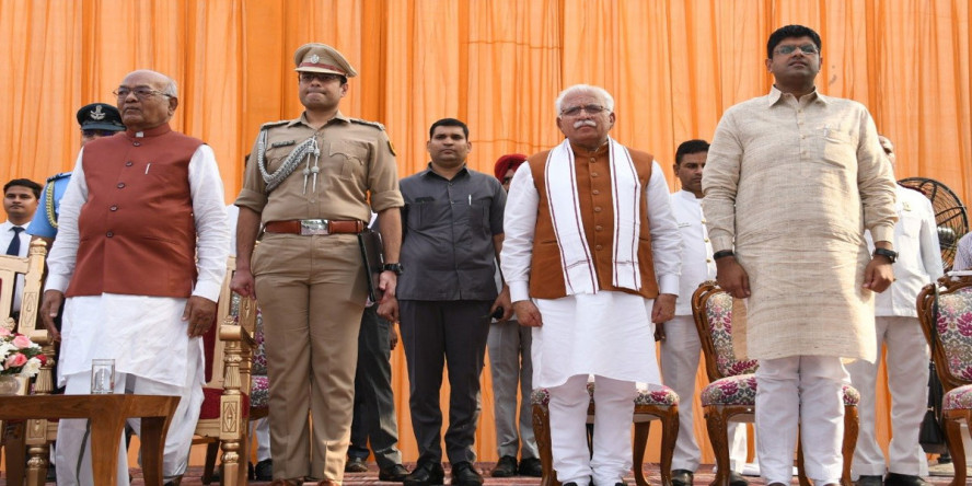 10 ministers sworn in to join Khattar cabinet