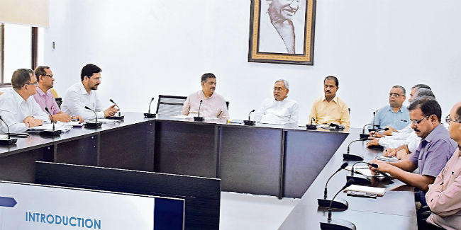 12 महीने पेयजल आपूर्ति के लिए हो सर्वेक्षण : सीएम नीतीश कुमार