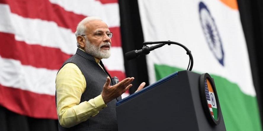 सियासी स्वार्थ के लिये प्रवासी भारतीयों का इस्तेमाल ग़लत?