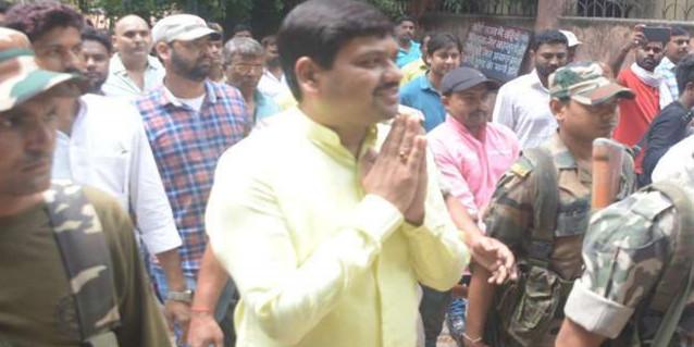 जेल में दर्द से कराह उठते बाहुबली विधायक संजीव सिंह, मेडिकल बोर्ड पता करेगा बीमारी