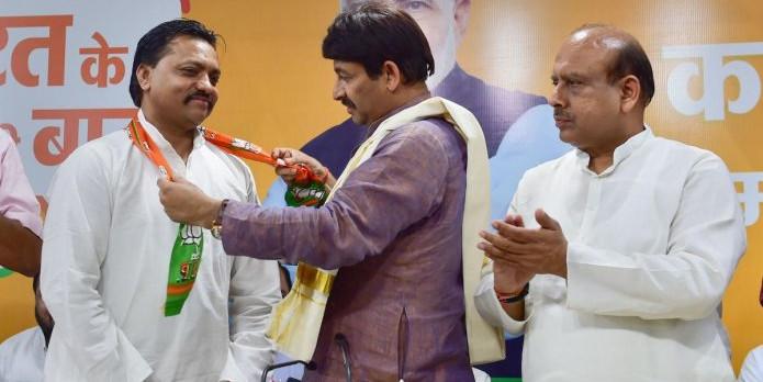 बीजेपी में शामिल होते ही आप कार्यकर्ता सुशील कुमार ने वापस ली मानहानि की शिकायत