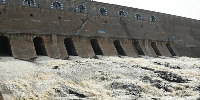 CM opens sluices of Stanley reservoir