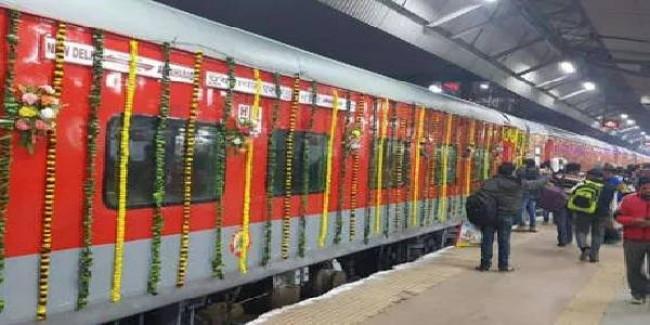 प्रयागराज एक्सप्रेस बनेगी 24 कोच वाली देश की पहली ट्रेन, आधुनिक सुविधाओं से होगी लैस