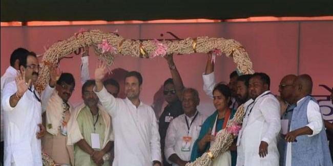 बिहार: सुपौल में मंच से बोले राहुल गांधी-बिहार का चौकीदार बहुत ही ईमानदार होता है