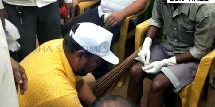 Odisha MLA wins hearts by washing feet of sanitation workers
