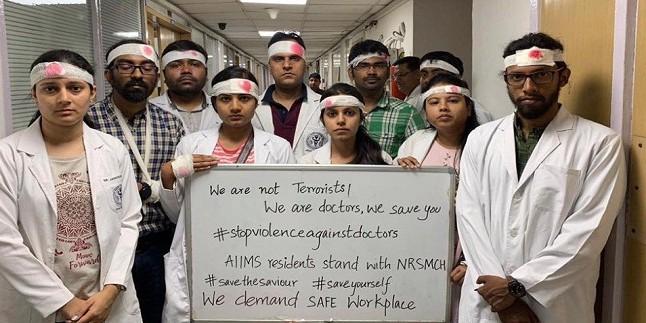 बंगाल के हड़ताली डॉक्टरों ने रखी ये 6 शर्तें, ममता की माफी भी