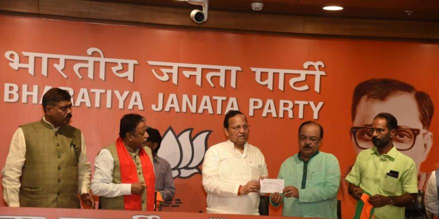 Trinamool MLA and former Kolkata Mayor Sovan Chatterjee joins BJP