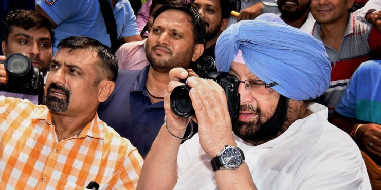 Congress set to sweep its Punjab Stronghold Winning 10 of the 13 Seats