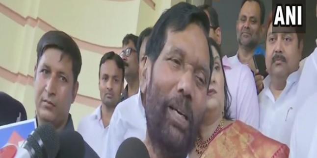 लोजपा नेता रामविलास पासवान राज्यसभा के लिए निर्विरोध चुने गए